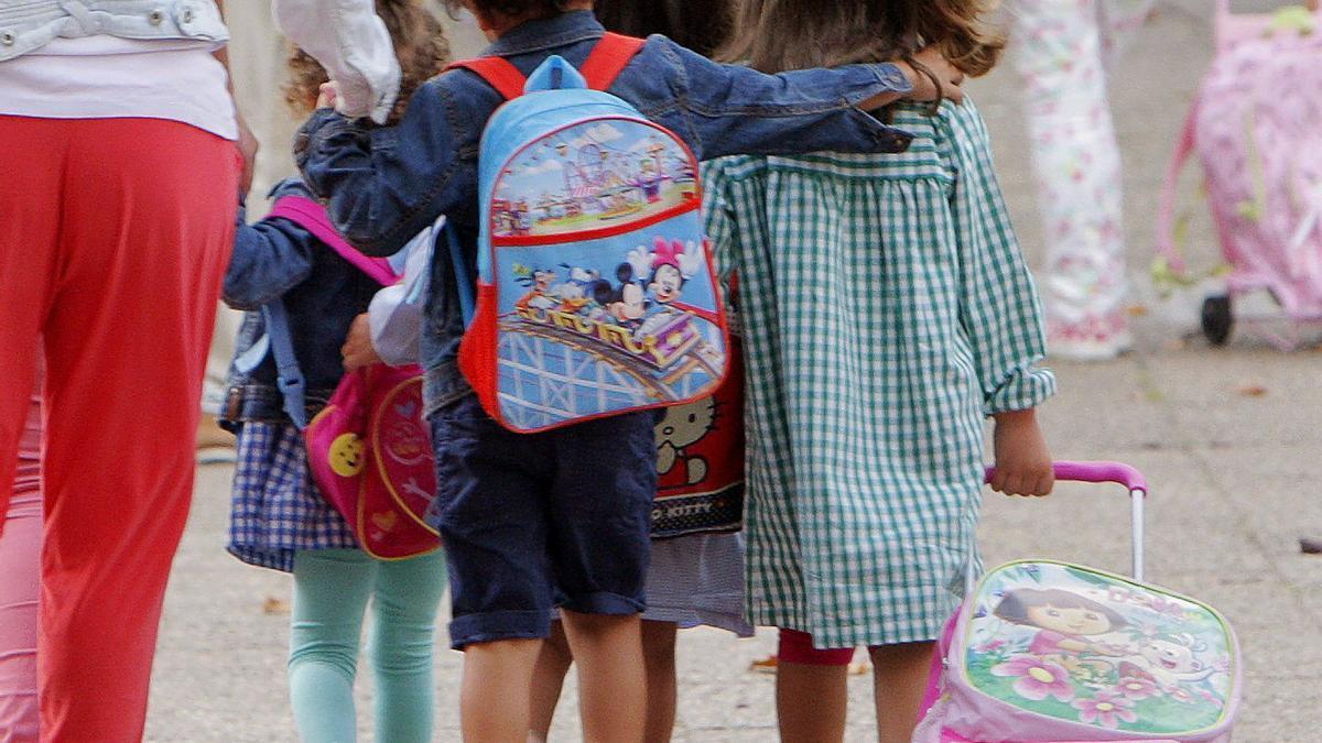 Escolares el primer día de curso en Galicia.