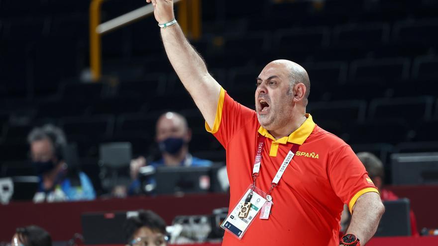 La FEB despide al seleccionador femenino de baloncesto, Lucas Mondelo