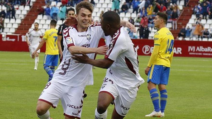 La UD Las Palmas sale humillada del Carlos Belmonte