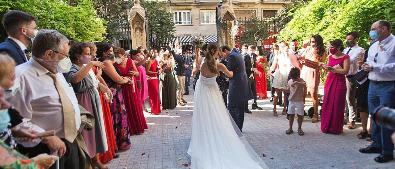 El sector de las bodas, muy perjudicado por la pandemia, será uno de los beneficiados. | EDUARDO RIPOLL