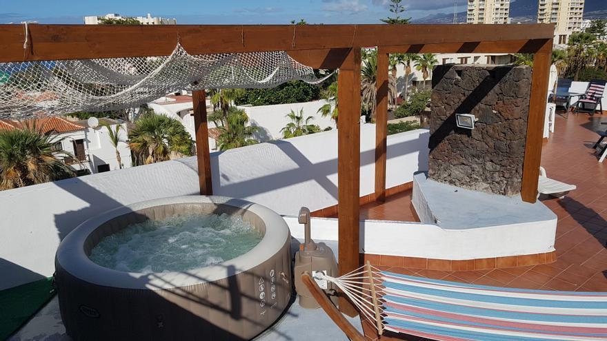 El alquiler de terrazas y piscinas por horas despega en Canarias