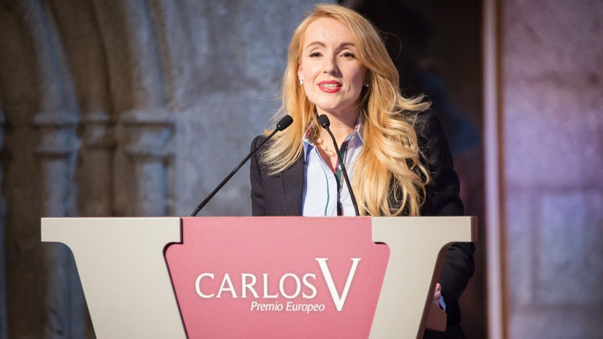 Delia Manzanero,  Alumni de y profesora en la Universidad Rey Juan Carlos