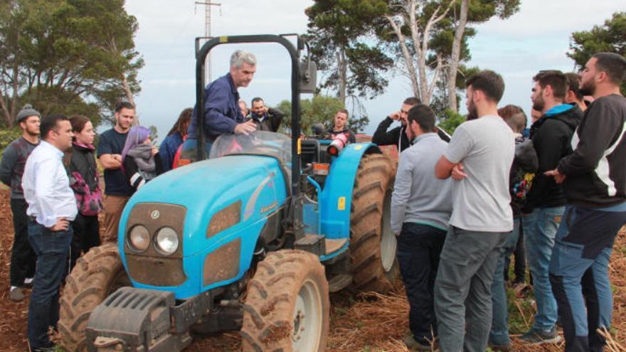 Canarias abre el plazo de inscripción en los cursos agrarios