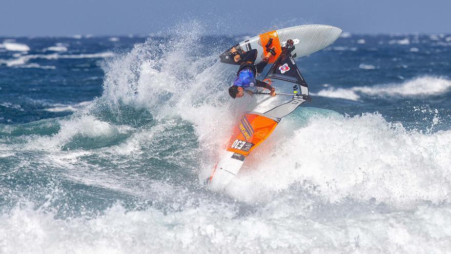 La pandemia de coronavirus provoca la cancelación del campeonato del mundo de windsurf de Gran Canaria