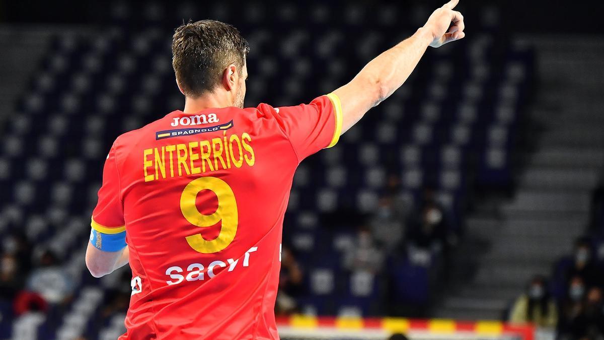 Raúl Entrerríos en un partido con la selección española.
