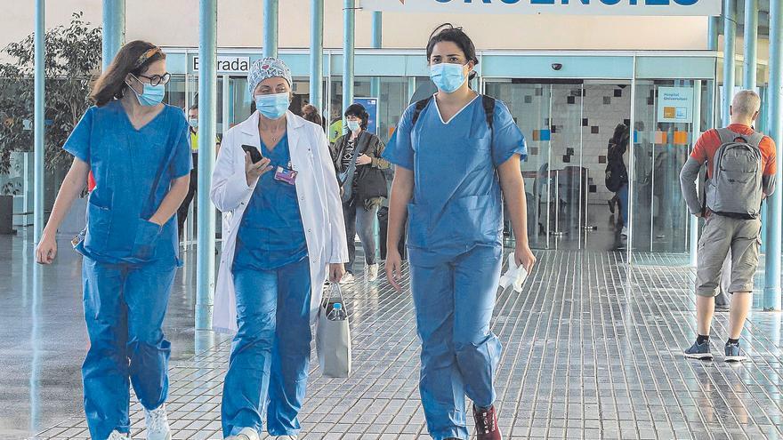 Sanidad notifica 4.271 contagios y 64 muertes desde el viernes