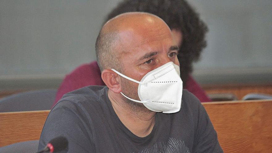 Polvorín político en Cangas