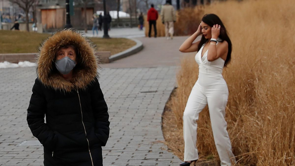 Dos mujeres, en las calles de Nueva York.