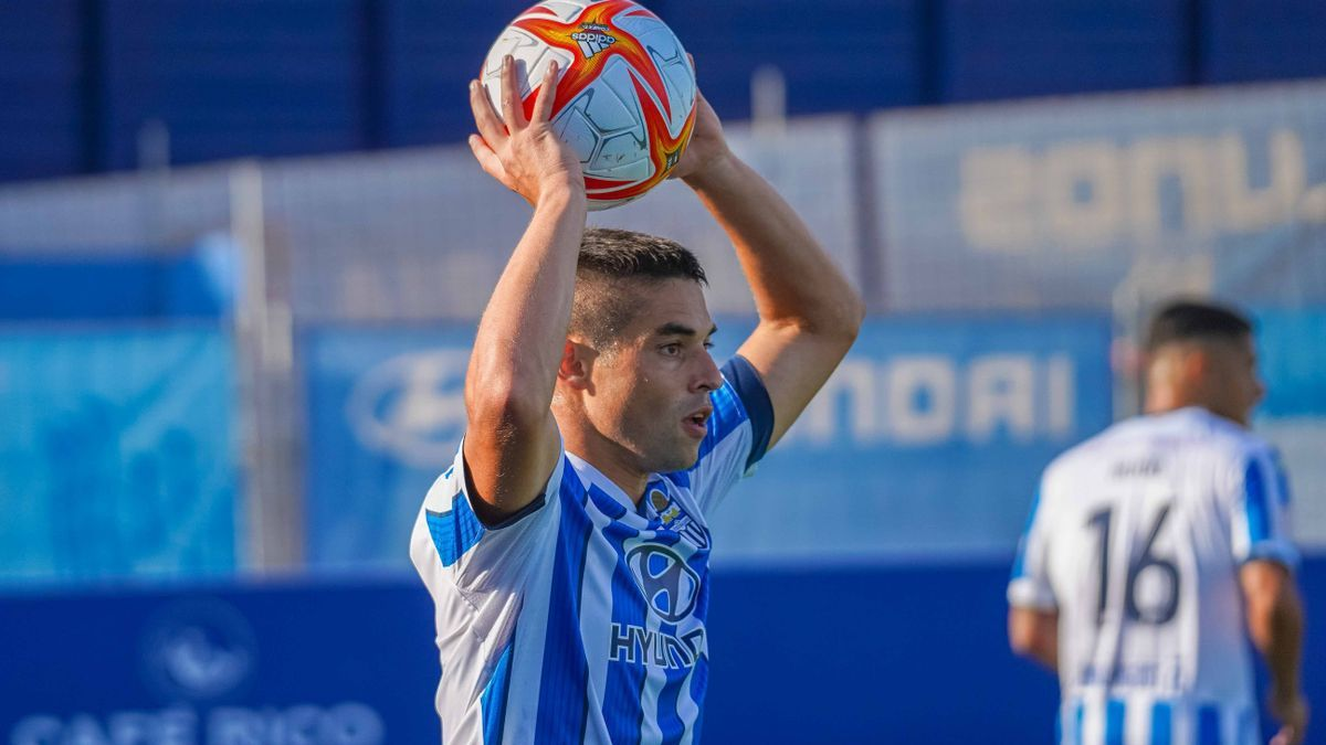 Jesús Álvaro en un momento del primer partido de pretemporada ante el Mallorca B