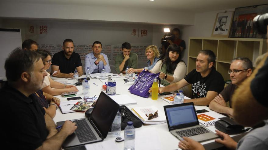 El tripartito lanza un nuevo programa de gobierno con el 80 % de las ideas del PSPV
