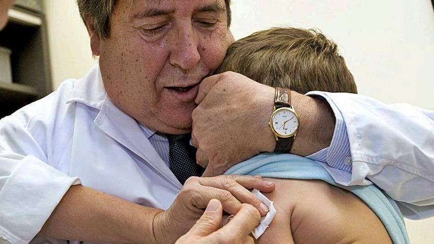 Los pediatras temen un brote de sarampión por la brusca caída de las vacunaciones