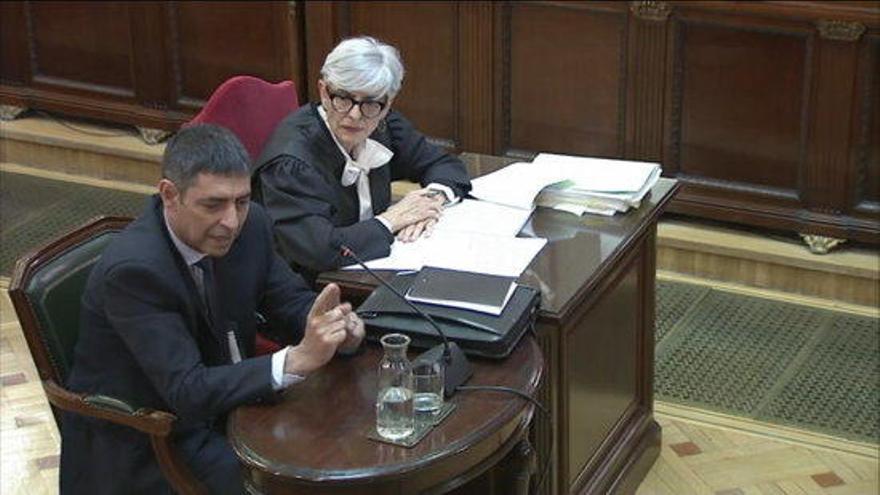 Els observadors internacionals troben parcial l'actitud de Marchena amb Trapero
