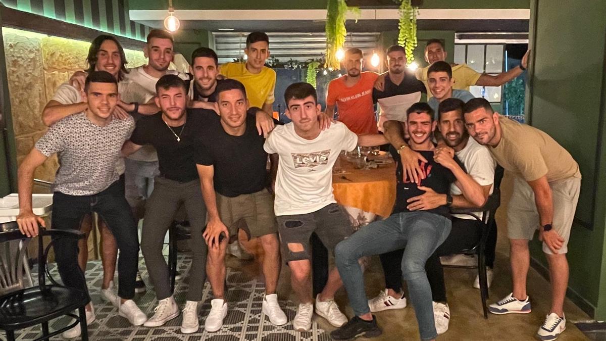 La última plantilla del Elche CF Sala, en su cena de despedida de la temporada