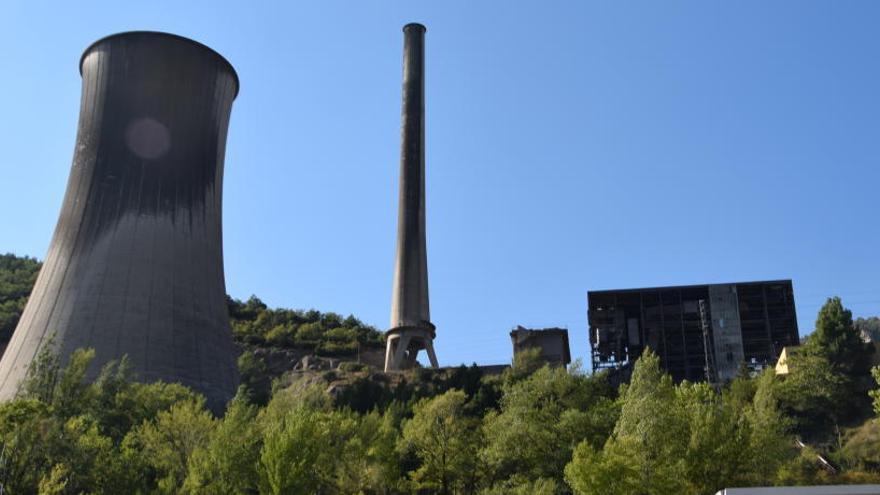 Neix una plataforma contrària a fer una planta d'incineració de residus a la central de Cercs