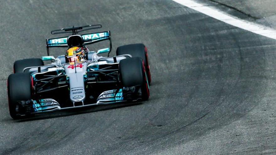 Lewis Hamilton logra la pole y el récord del circuito de Spa