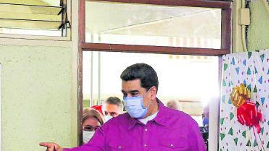Maduro acaricia el control legislativo en unas elecciones marcadas por la apatía