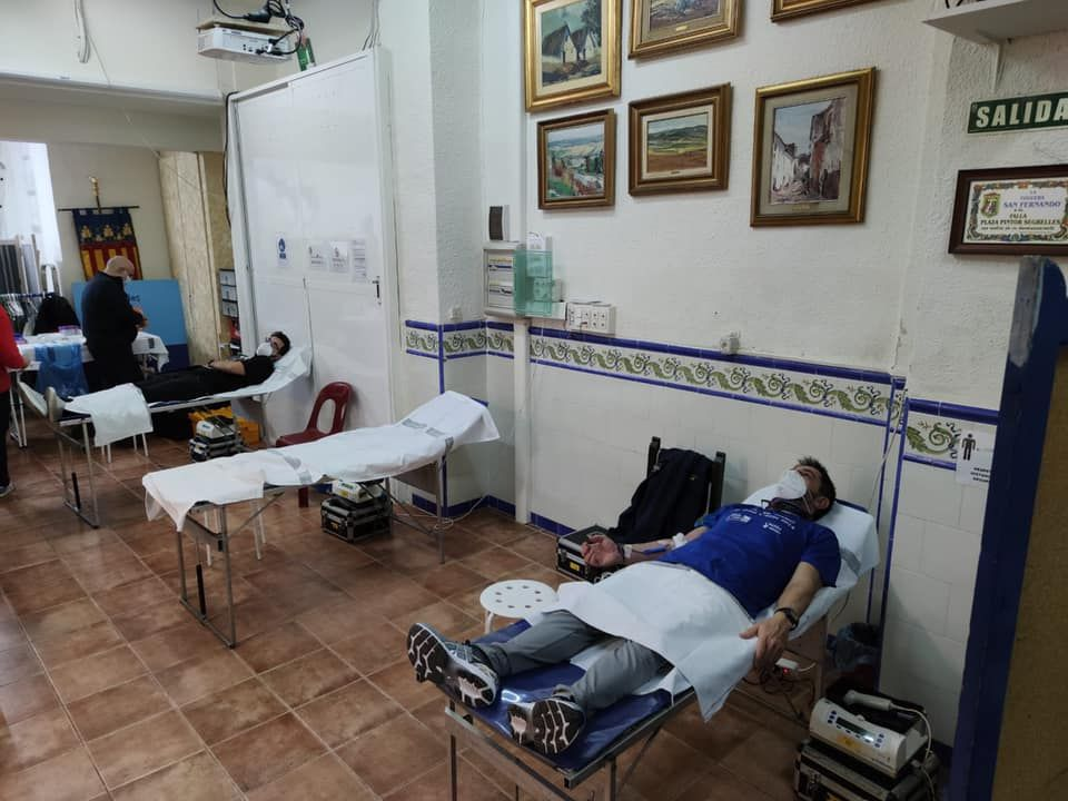 Los falleros de Pintor Segrelles abren el casal para donar sangre
