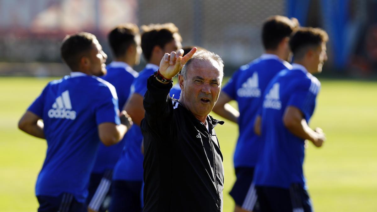 JIM hace un gesto al comienzo de la sesión de este sábado en la Ciudad Deportiva.