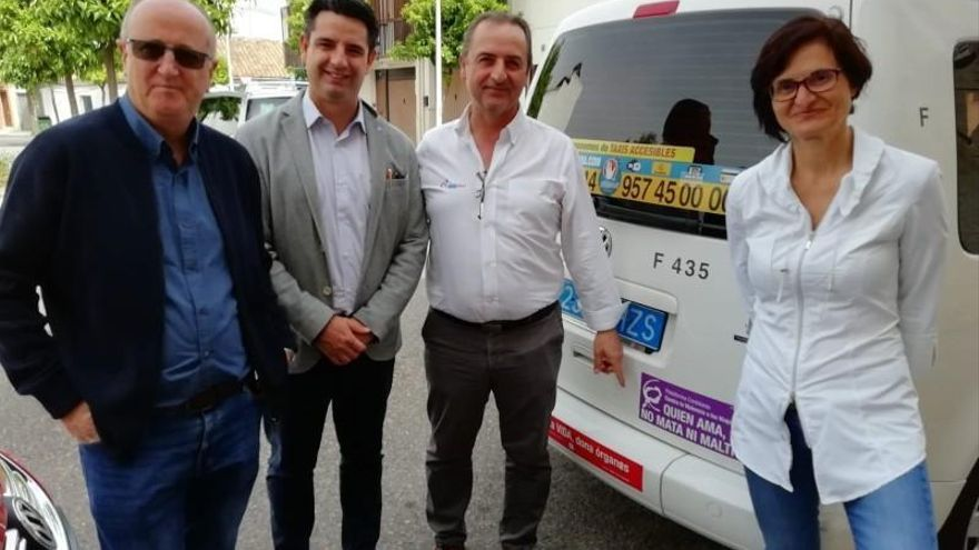 "García asegura que IU ""exprimirá"" la Ley para evitar que Uber o Cabify se instalen en Córdoba"