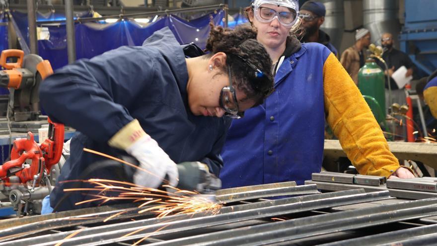 El 41,3% de las ofertas de empleo piden titulados de Formación Profesional