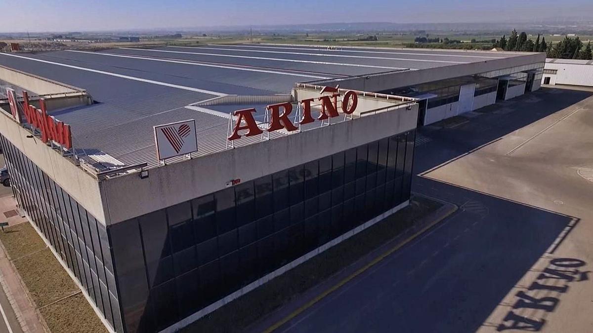 33 La planta de la empresa Ariño Duglass está situada en la localidad de La Puebla de Alfindén. | SERVICIO ESPECIAL