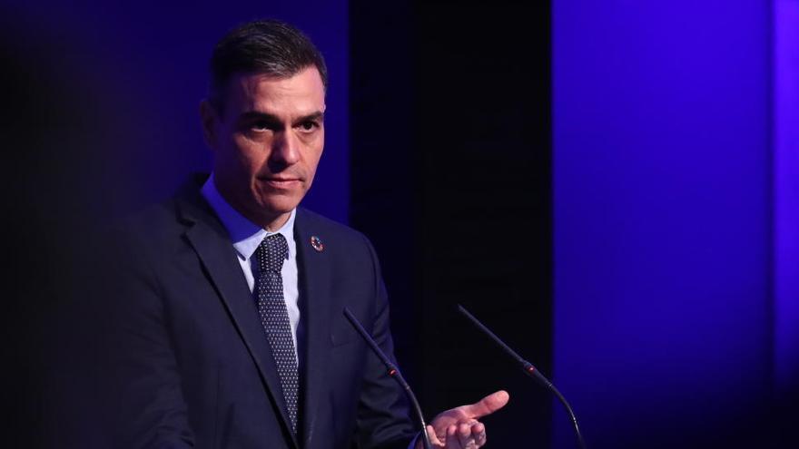 """Sánchez reconoce la """"gran labor"""" de los periodistas trabajando """"sin descanso"""" durante la pandemia"""