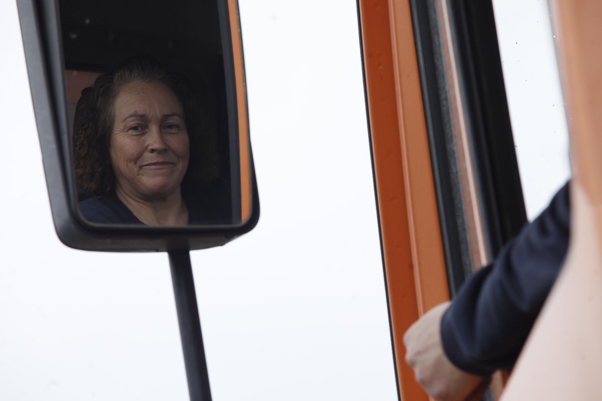 Pioneras en el 8M-Delfina González, una camionera de vuelta a la obra