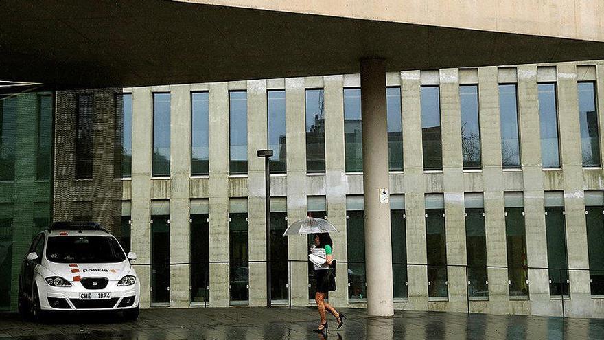Un juez da la incapacidad permanente a una mujer de 26 años por sus migrañas