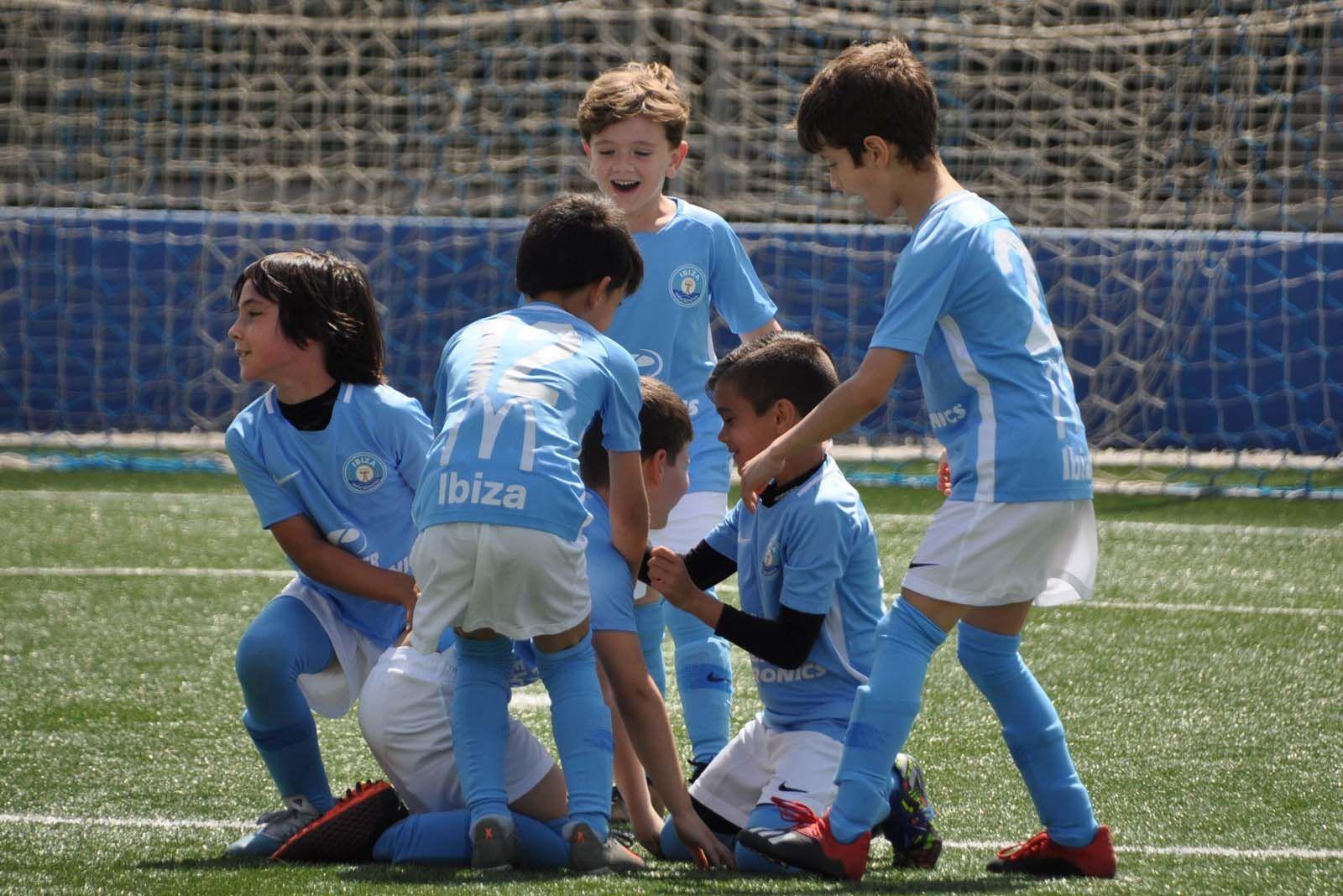 El fútbol base vuelve a sonreír
