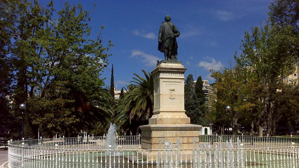 Monumento a Ramón Pignatelli en el parque de Zaragoza que lleva su nombre.