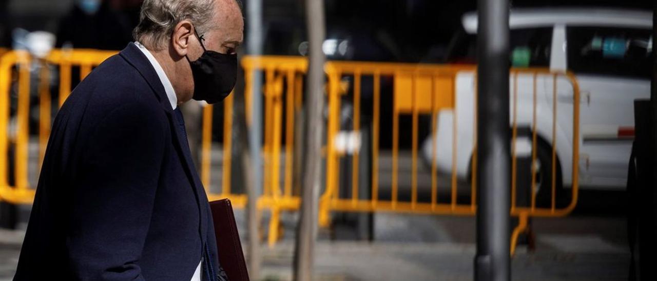 Fernández Díaz, a su salida de la Audiencia Nacional el pasado 30 de octubre, tras declarar como imputado en la 'operación Kitchen'.