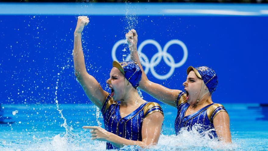El dúo de natación artística se clasifica para la final con el penúltimo billete