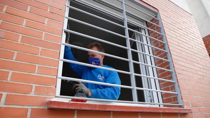 Comienzan las obras para mejorar la eficiencia energética de 31 viviendas de las Moreras