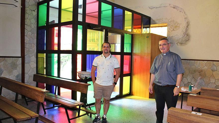 """La iglesia de La Caridad invita a entrar a los fieles con un nuevo diseño """"rompedor"""""""