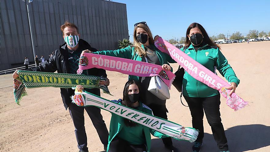 Aficionados asistentes al encuentro Córdoba CF-Betis B