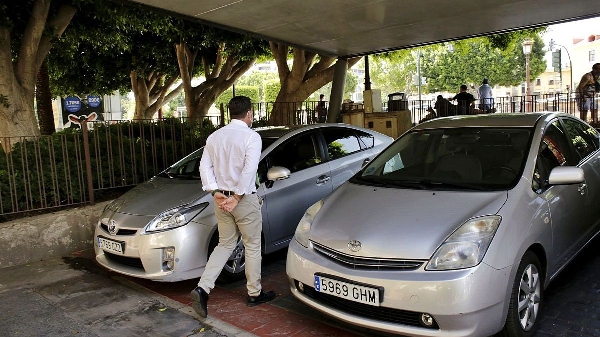 Los coches oficiales del Ayuntamiento de Murcia pueden usarse por los miembros de la corporación por motivos laborales.