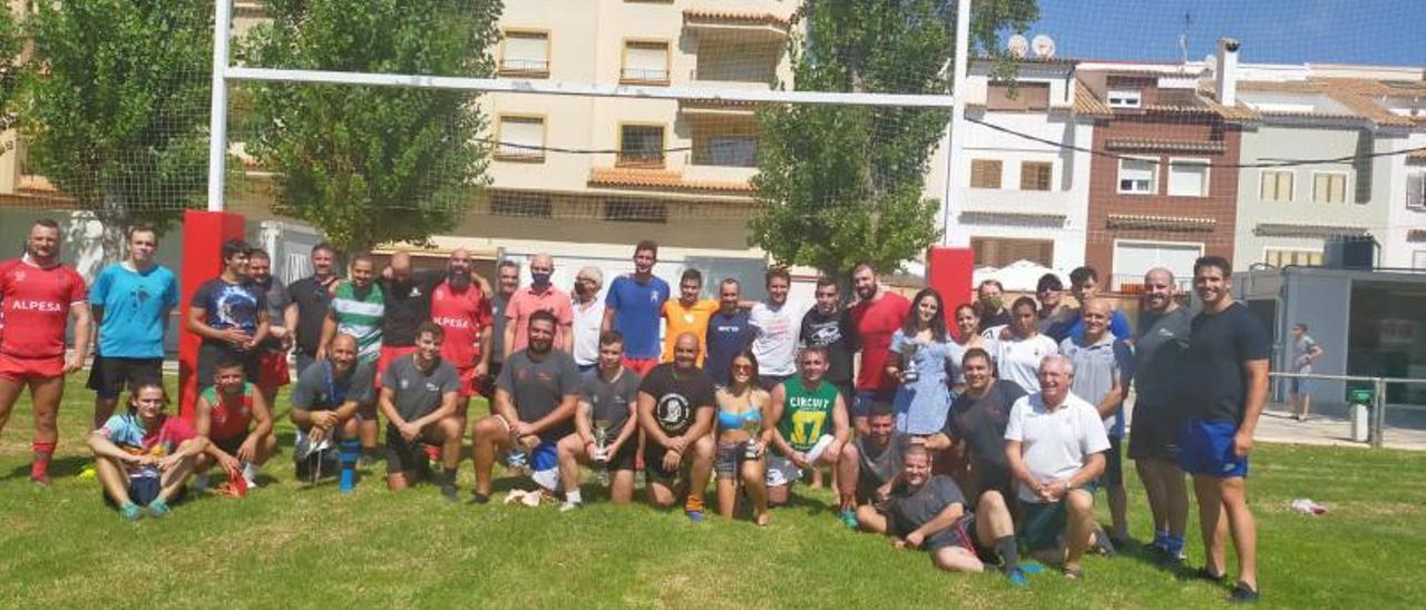 Rugby Jornada de convivencia y presentación de los equipos del Tavernes RC en el Vergeret