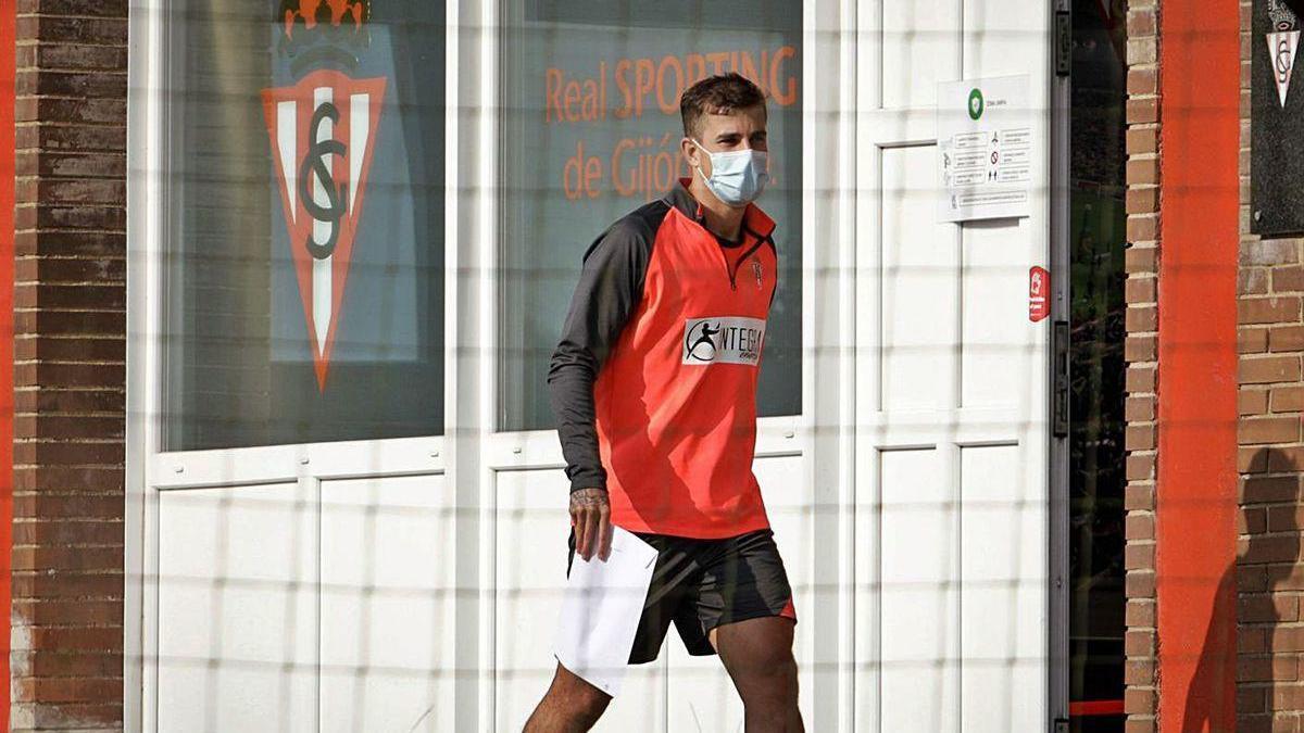 Isma Cerro, ayer en Mareo, tras rescindir su contrato con el Sporting.