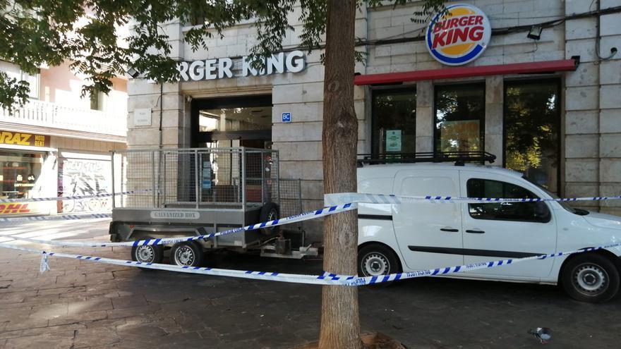 Un fallo eléctrico causó el incendio del Burger King con decenas de desalojados