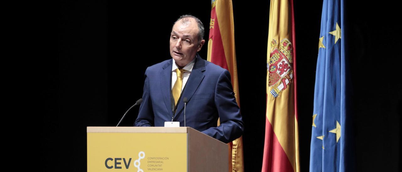Salvador Navarro, en su intervención en la asamblea de la CEV.