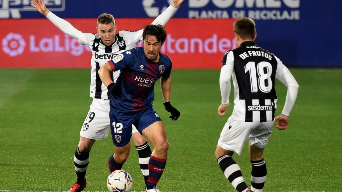 Punto de 'segunda mano' para el Levante en Huesca