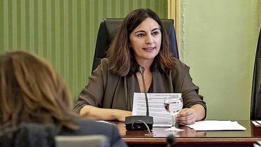 """El PP acusa de """"oscurantismo"""" e inexperiencia a Solivellas, quien se defiende con una batería de proyectos"""