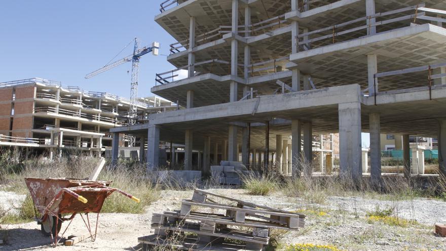 Una empresa adquiere la estructura abandonada de un hotel en Ibiza para acabarlo