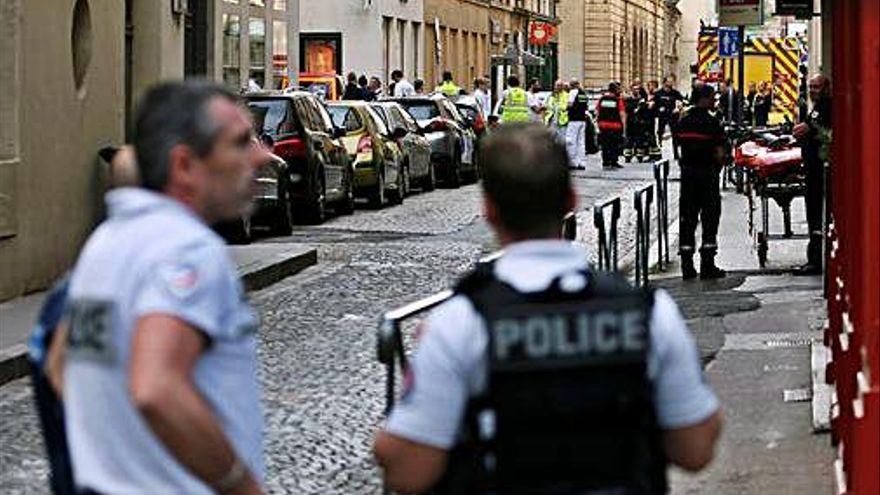 Busquen un sospitós de l'explosió al centre de Lió