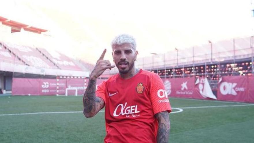 El cantante Rauw Alejandro, nuevo 'fichaje' del Real Mallorca