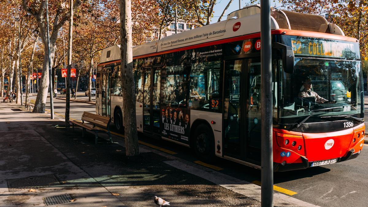 Imagen de archivo autobús en Barcelona