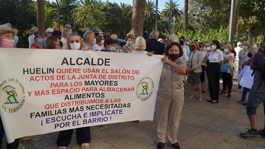 El PSOE pide más centros municipales para los mayores de Huelin