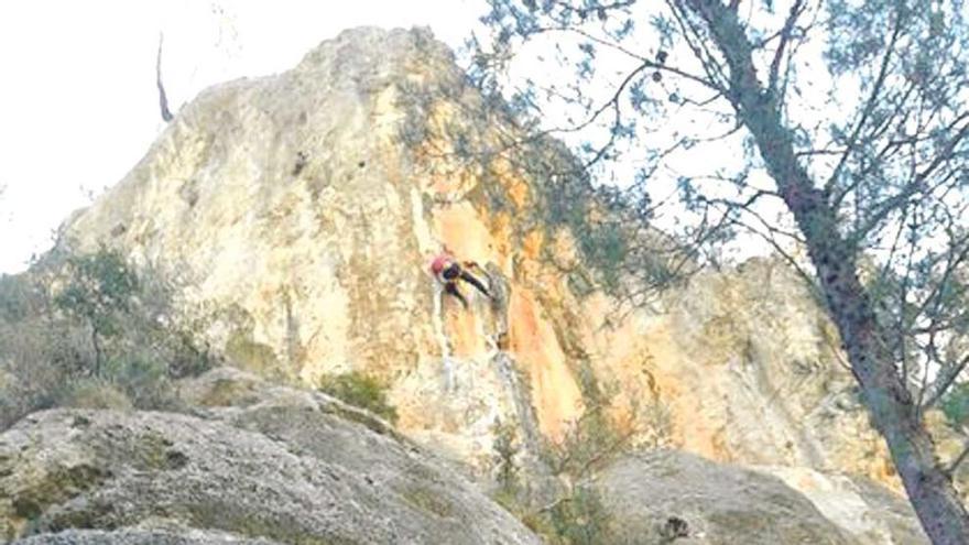 Un excursionista, herido grave tras una caída cerca  de Llucalcari
