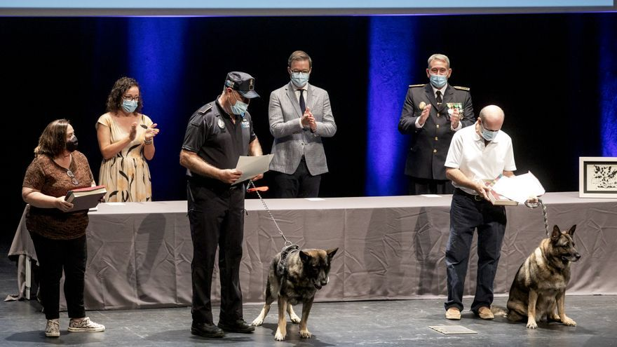 La Policía Local rinde homenaje al esfuerzo realizado por sus agentes durante la pandemia