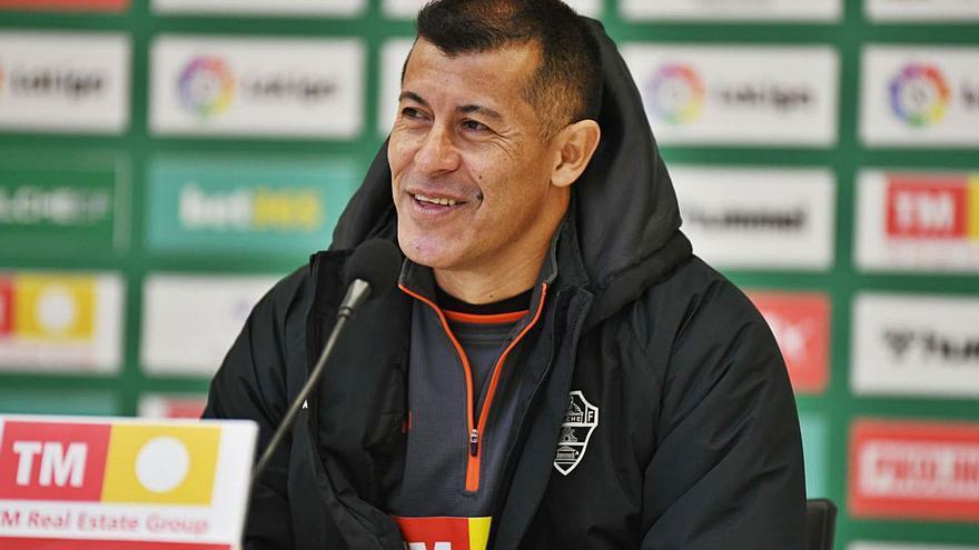 Almirón: «Estamos bien y merecíamos más; deberíamos llevar 20 o 21 puntos»